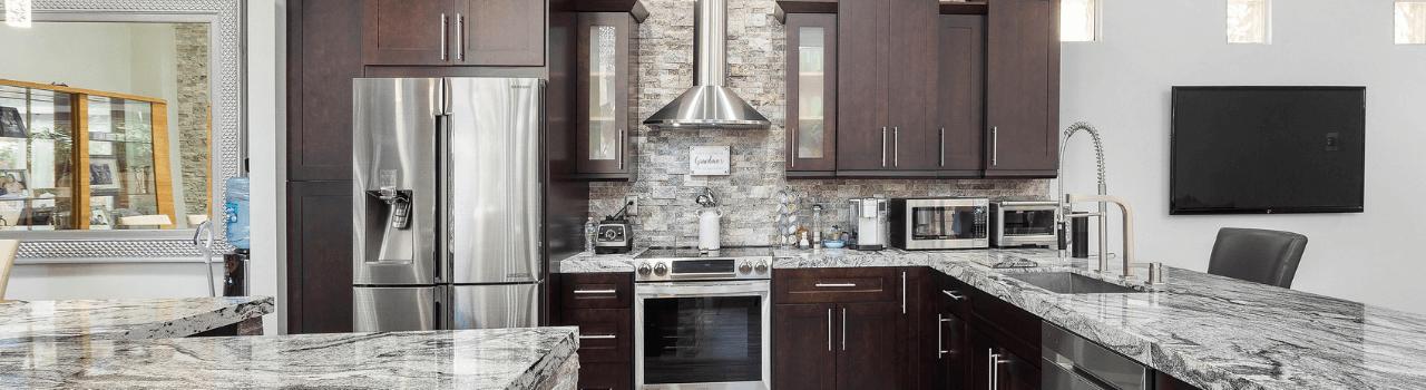 Cucina in muratura idee per cucine rustiche e moderne for Idee arredamento cucine moderne