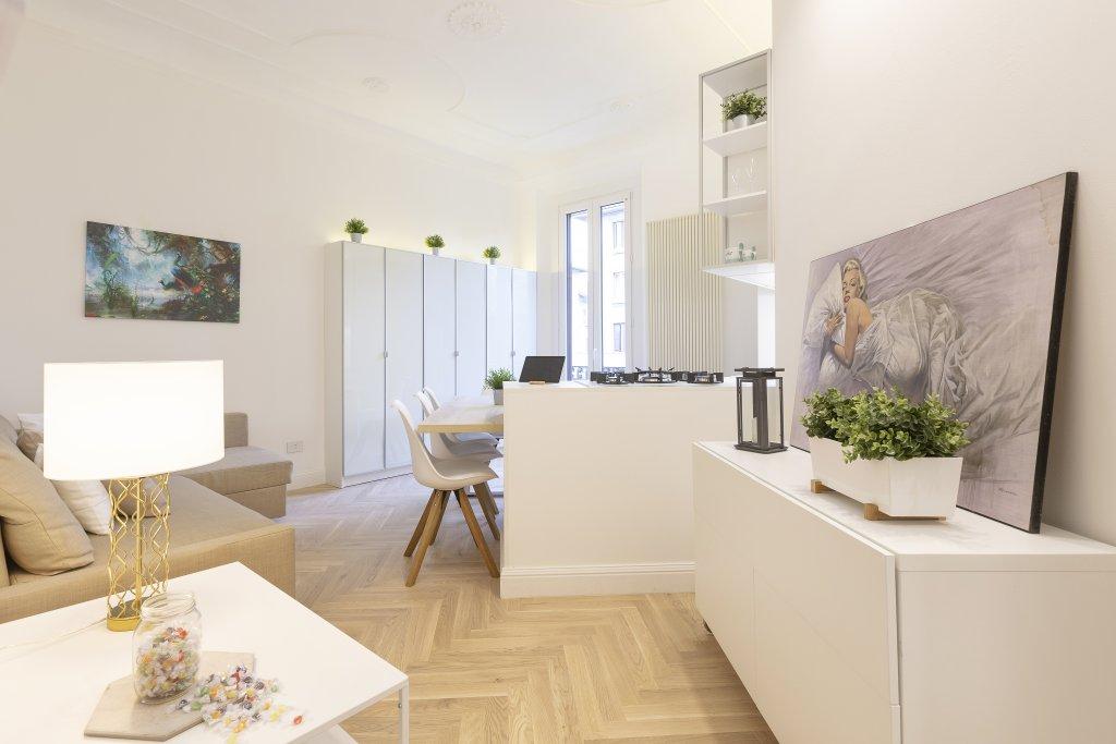 La zona living del nuovo appartamento della regina del calcio italiano