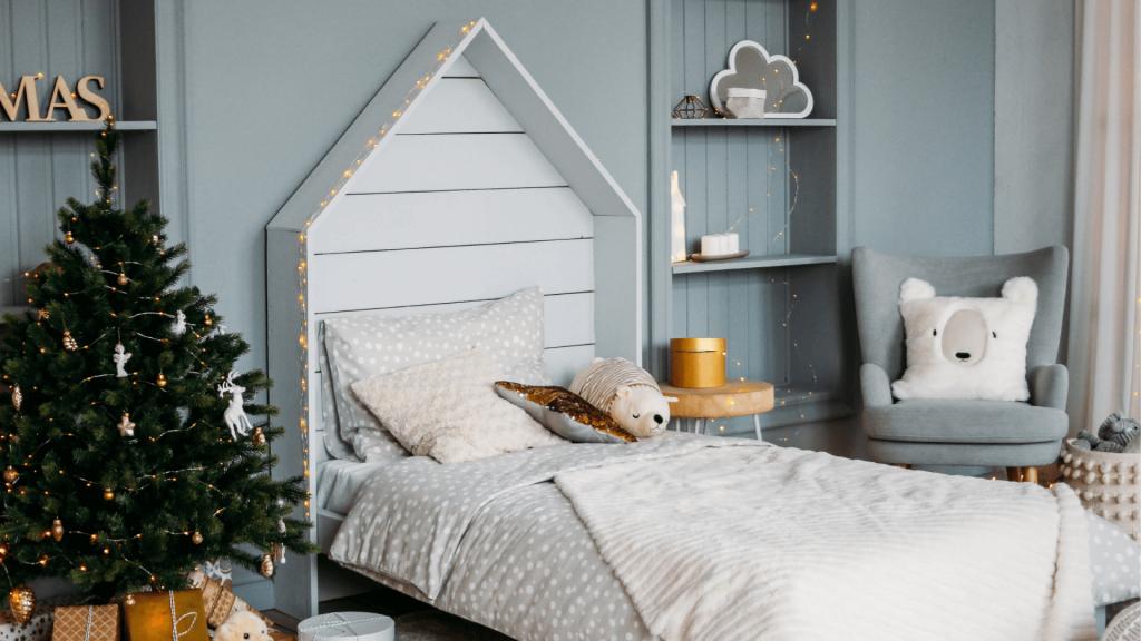letto, idee per decorare casa autunno, albero natale
